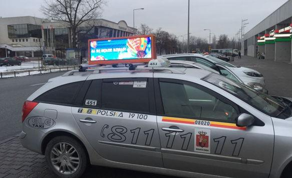 How to advertise with Taxi Top LED displays?